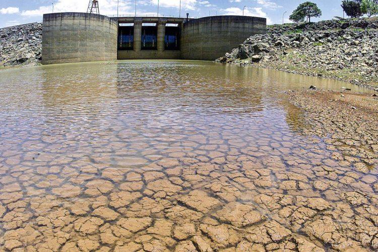 Crise hídrica tem reflexo bilionário no orçamento financeiro dos brasileiros